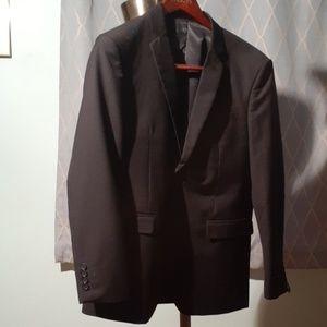 NEW Mens 40R black suit. 34 waist unfinished hem